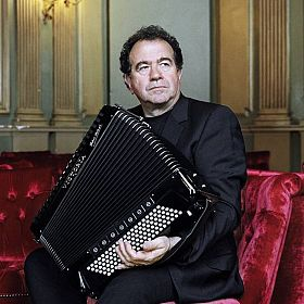 RICHARD GALLIANO & Ensemble Symphony Orchestra